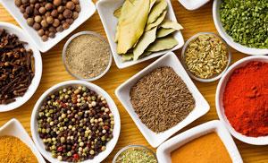Специи и продукты, которые помогут избавиться от обильных кровотечений